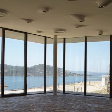 3MTECNOFER-serramenti-alzante-scorrevole-ottone-brunito-residenza-forte-carlo-felice-archea-associati-3_project_big-tecnoblind