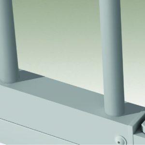 Montanti verticali in acciaio a sezione tonda 14x14 di serie